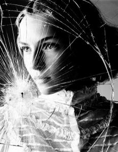 06df78e5b544119aee1ff5932368eb03--shattered-glass-broken-glass